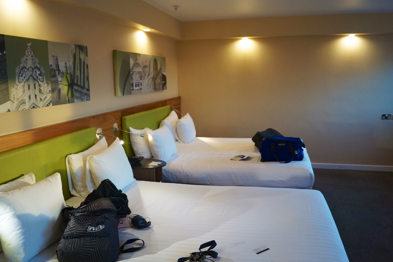 Hampton by Hilton Liverpool/John Lennon Airport Hotel Bedroom Photos