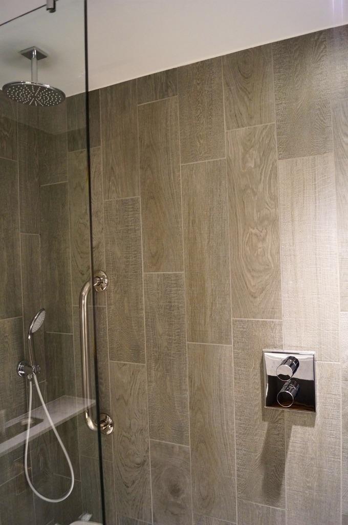 Doubletree By Hilton Edinburgh – Queensferry Crossing Bathrooms