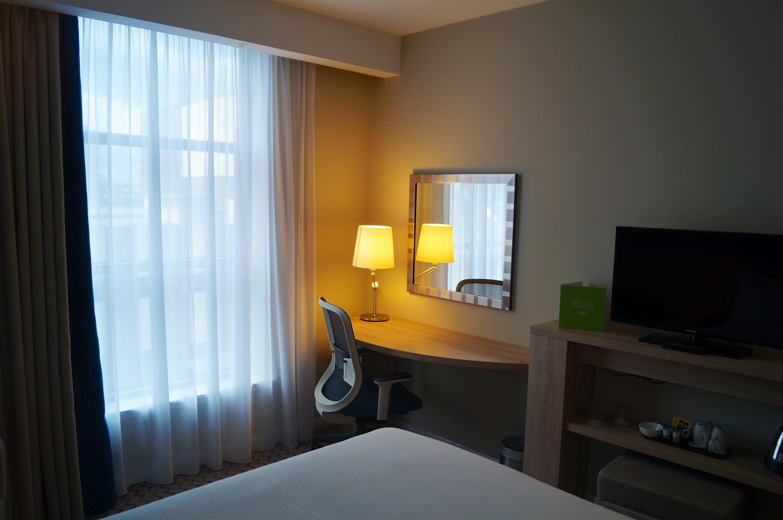 Hampton Glasgow Bedroom